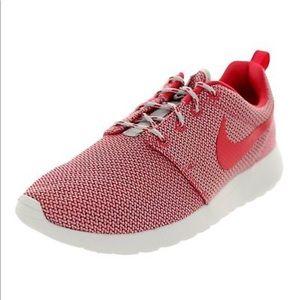 Womens Nike Rosherun Geranium White Running Shoes
